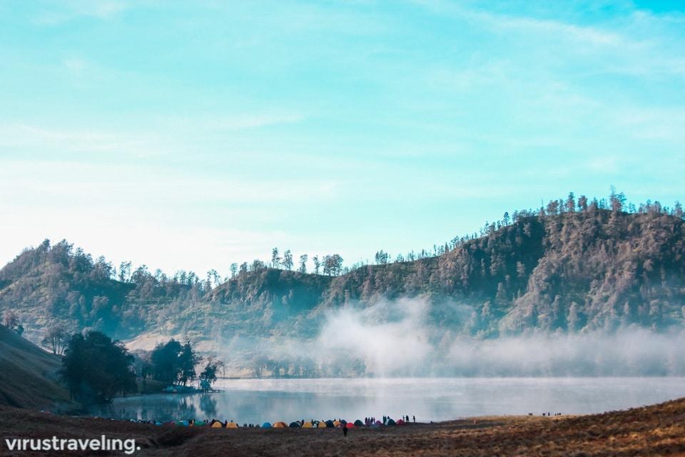 pesona danau ranu kumbolo gunung semeru