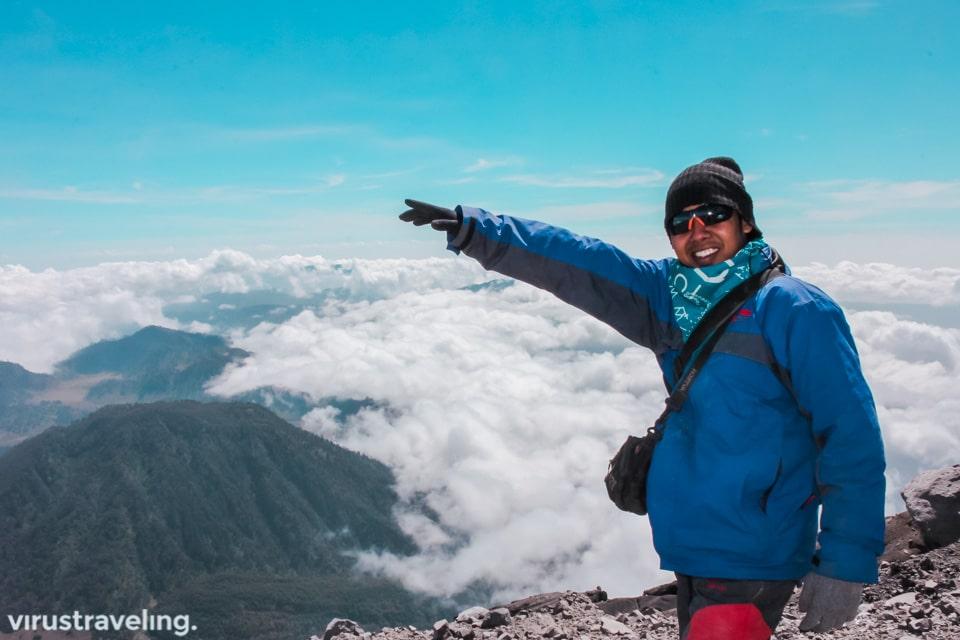 virustraveling mendaki gunung semeru