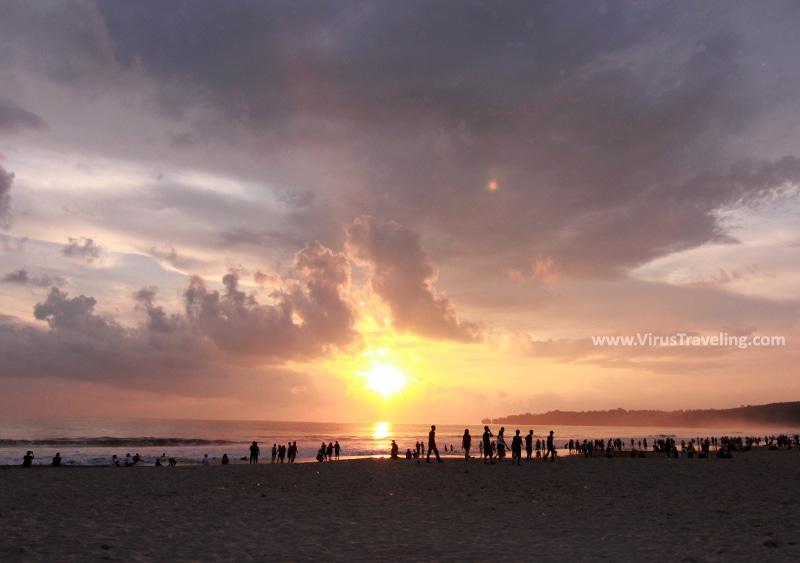 Sunset di Pantai Sawarna