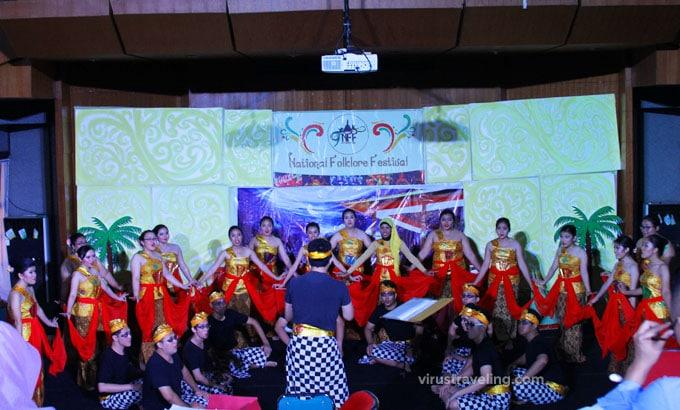 Koreografi National Folklore Festival UI