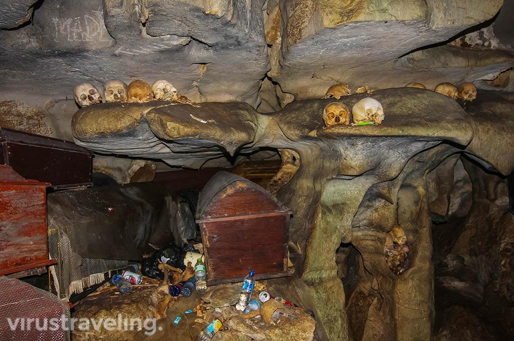 Goa Kuburan Londa Tana toraja