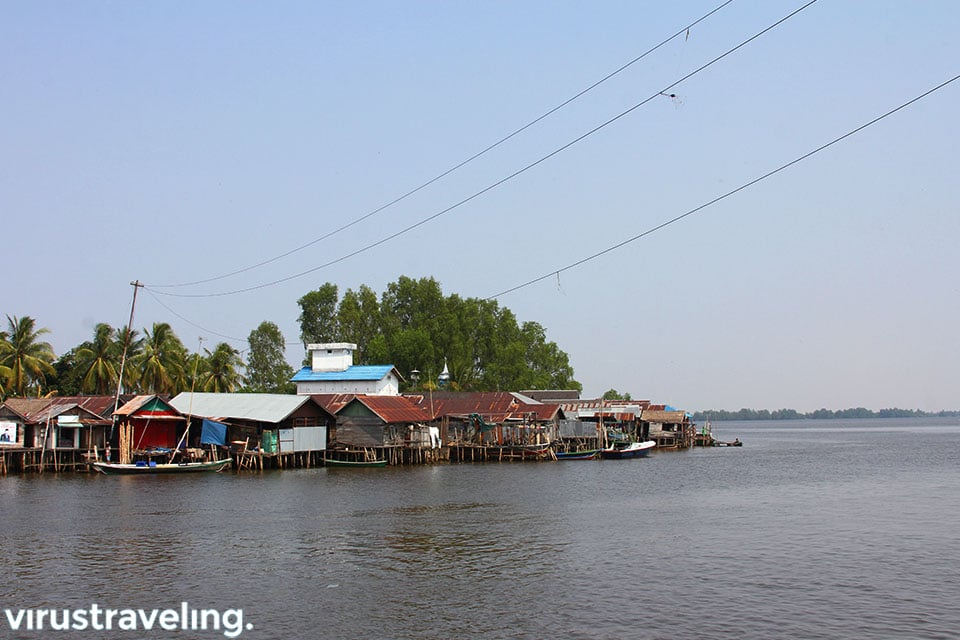 Kehidupan Masyarakat di Sungai Barito