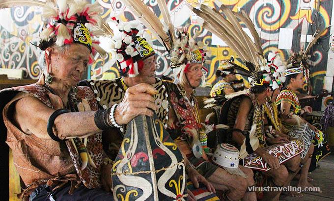 Suku Dayak Kenyah Desa Budaya Pampang