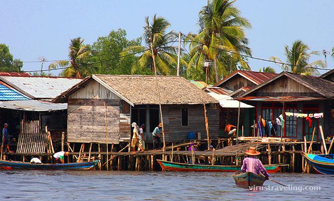 Kehidupan Masyarakat lokal Sungai Barito