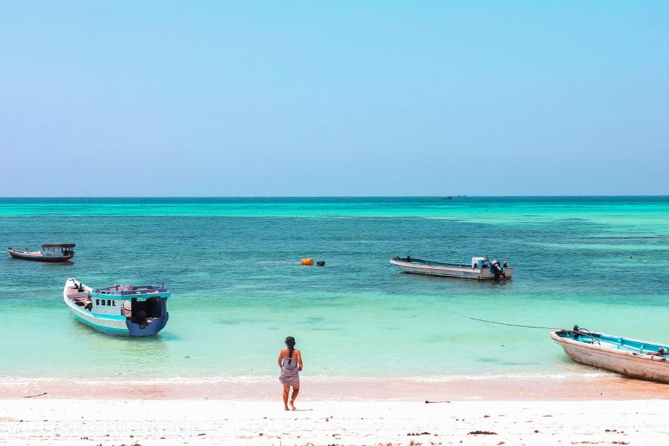 Begini Pantai Otan Salah Satu Pantai di Pulau Semau