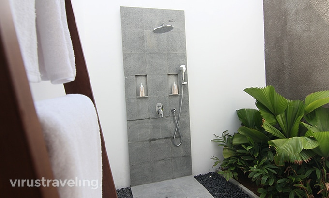 Abia Villa Legian Bathroom