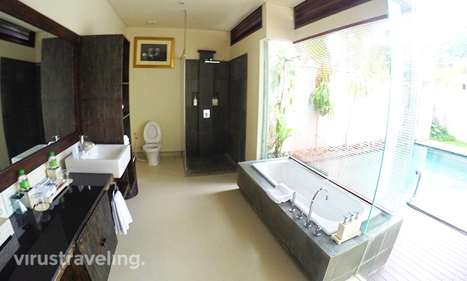 Royal Samaja Villas Bathroom