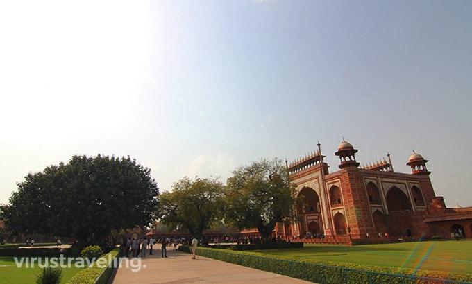 Taj Mahal Forecourt