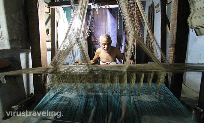 Pembuat Kain Sari India di Varanasi