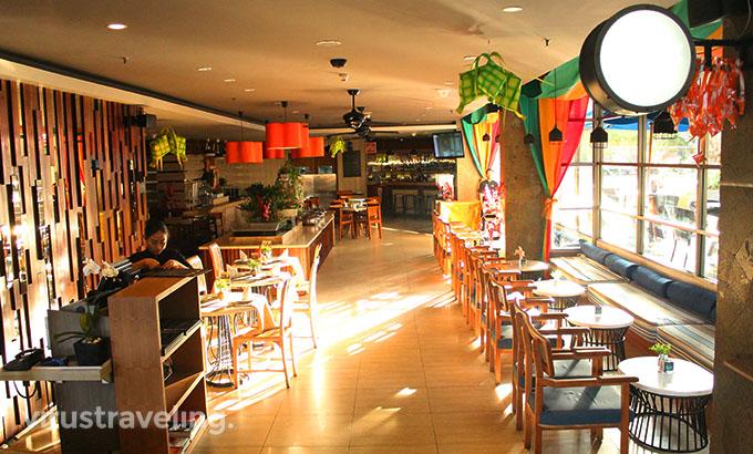 Harper Kuta Hotel Rustik Bistro Bar