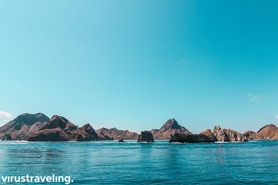Pulau pulau cantik sepanjang perjalana ke pulau padar