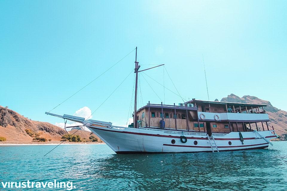 Sailing Trip Komodo ke Pulau Padar