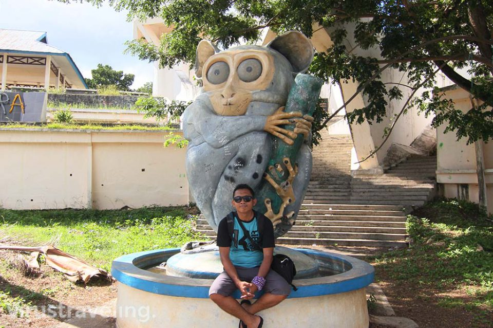 Patung Tarsius di Monumen Trikora