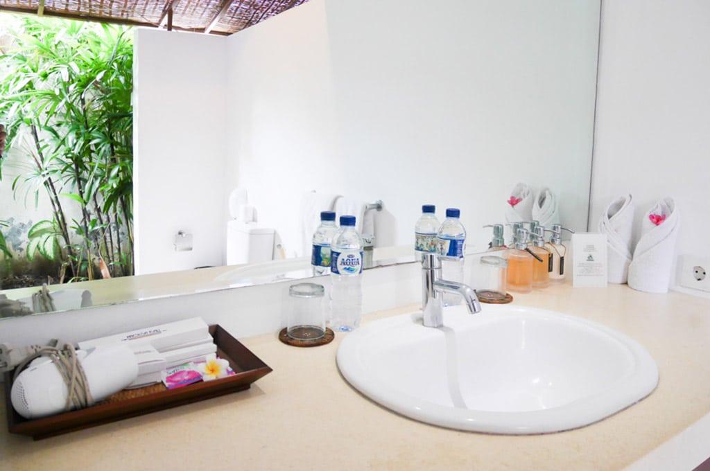 Bathroom Villa Origami seminyak