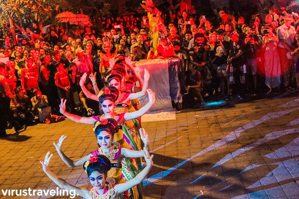 Festival kesenian di Ubud saat menjelang Nyepi di Bali
