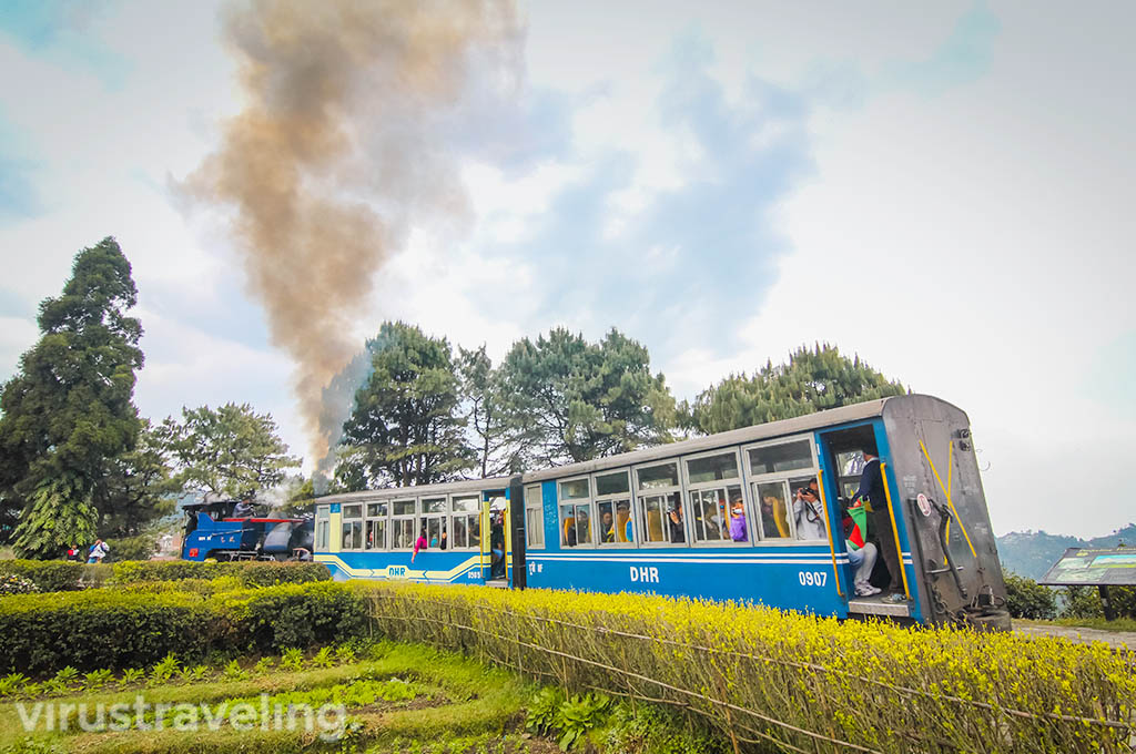 Darjeeling Train at Batasia Loop