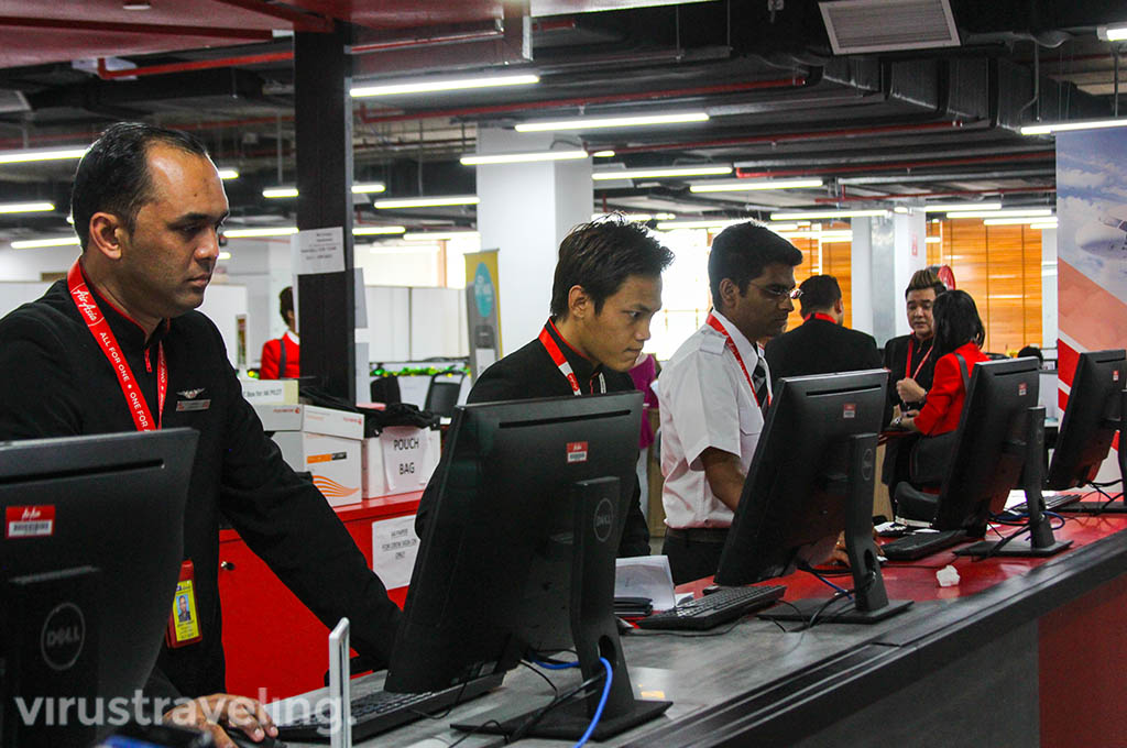 Aktifitas Staff di RedQ Headquarter AirAsia