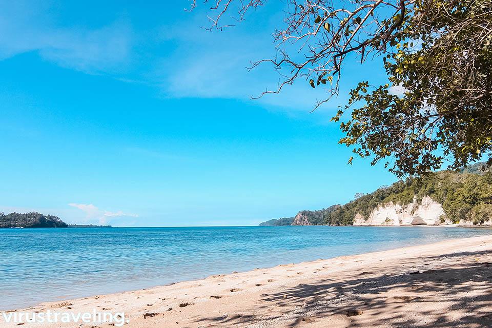 Pantai Baturiri Kota Bitung