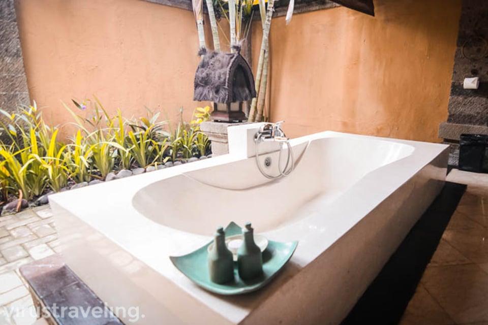 Bathub Hotel Vila Lumbung Seminyak