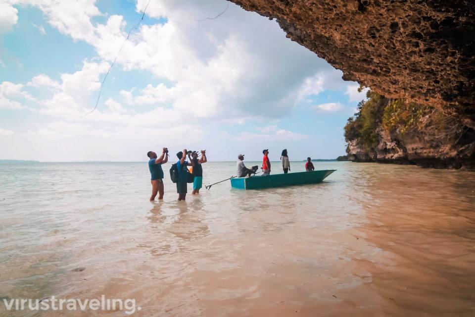di lokasi Jejak Tangan Leluhur Kepulauan Kei
