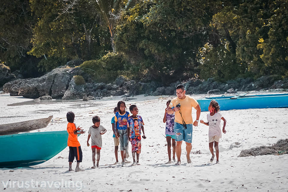 Pantai Madwaer Kepulauan Kei