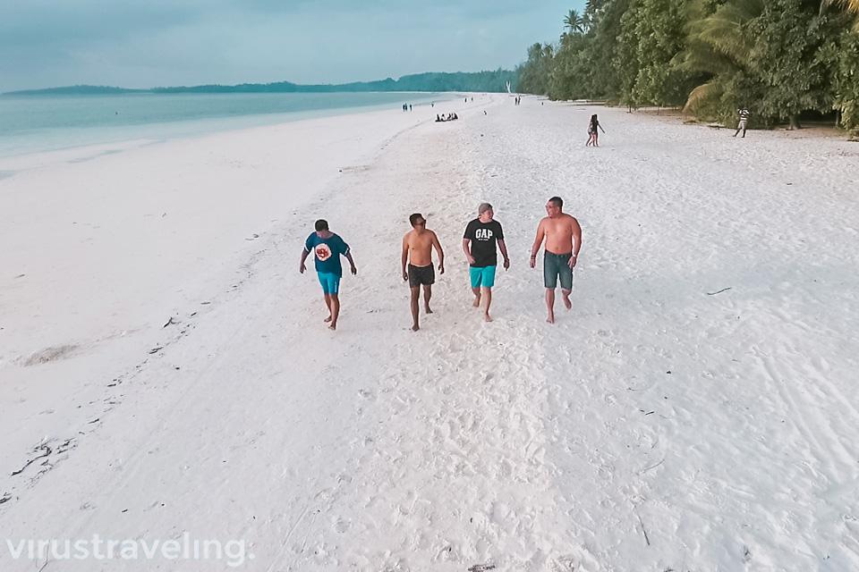 Pantai Ngurbloat Pantai Pasir Putih di Pulau Kei