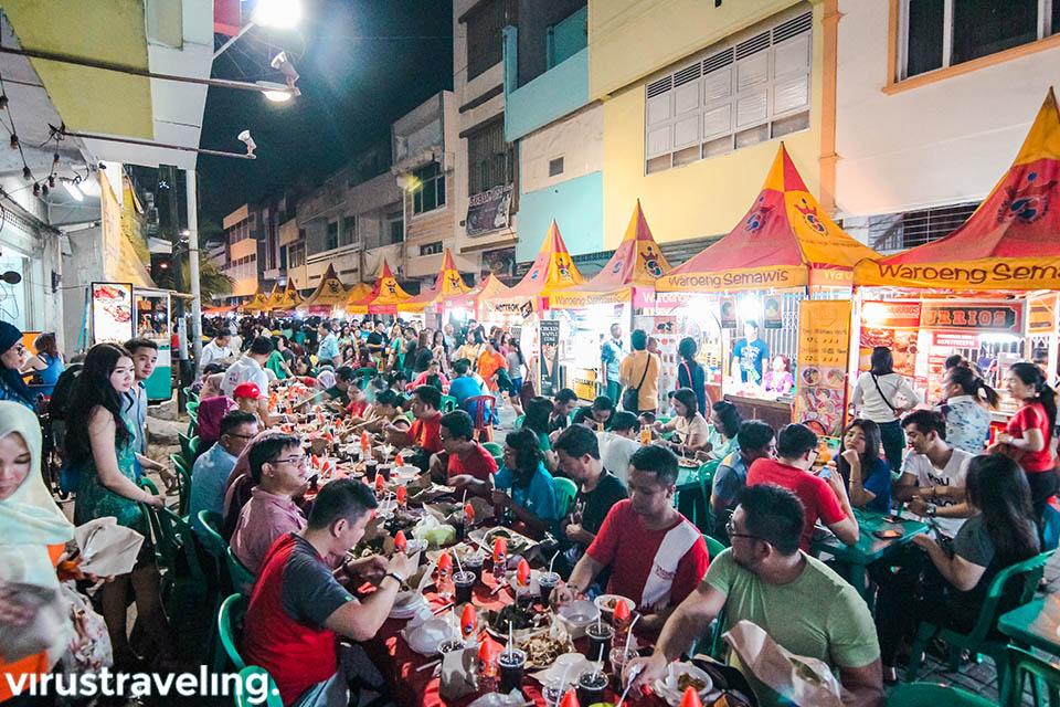 Meriahnya Pasar Semawi di Kota Semarang