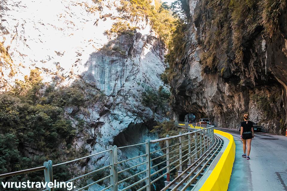 Menyusuri Sisi Jiuqudong Tunnel