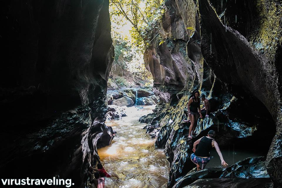 objek wisata hidden canyon bali