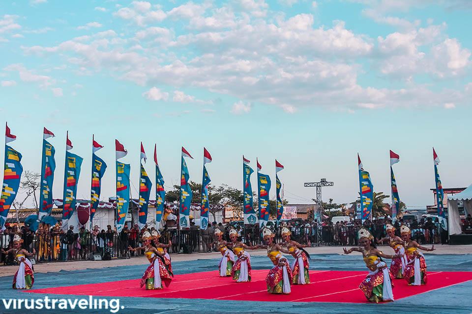 tarian pembukaan festival budaya bahari