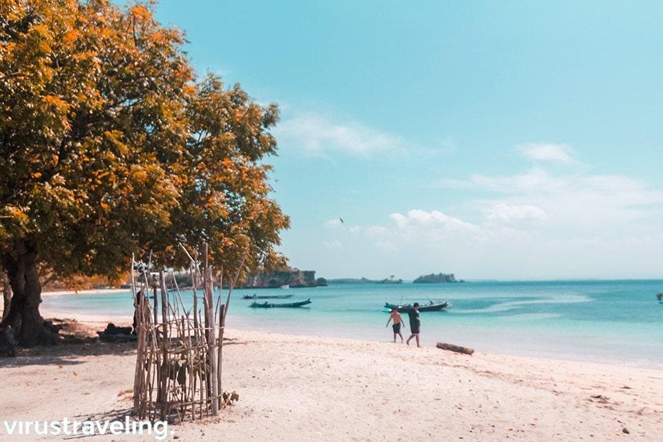 wisata di lombok pantai tangsi