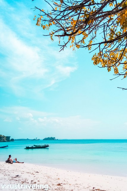 wisata pantai di lombok pantai pink