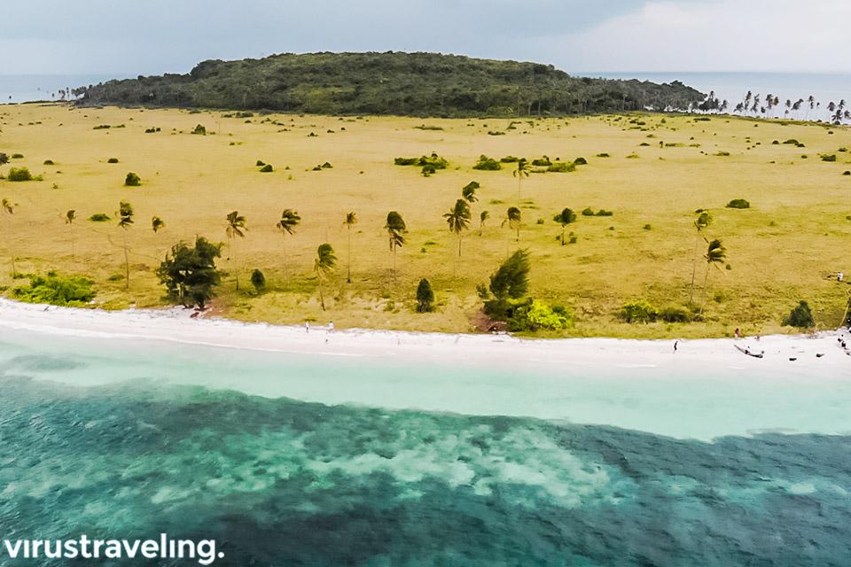 Pulau Liwutongkidi atau Pulau Ular Bau Bau