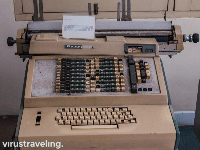 Mesin Pembukuan tahun 1974 di Museum BRI