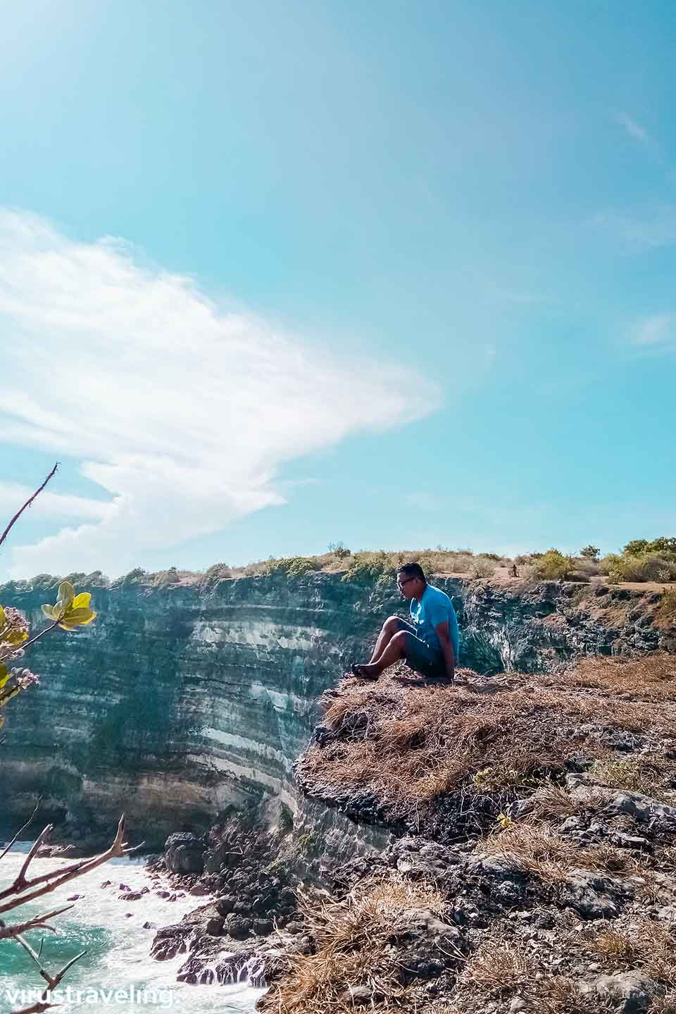 Mengambil foto di tebing Tanjung Ringgit