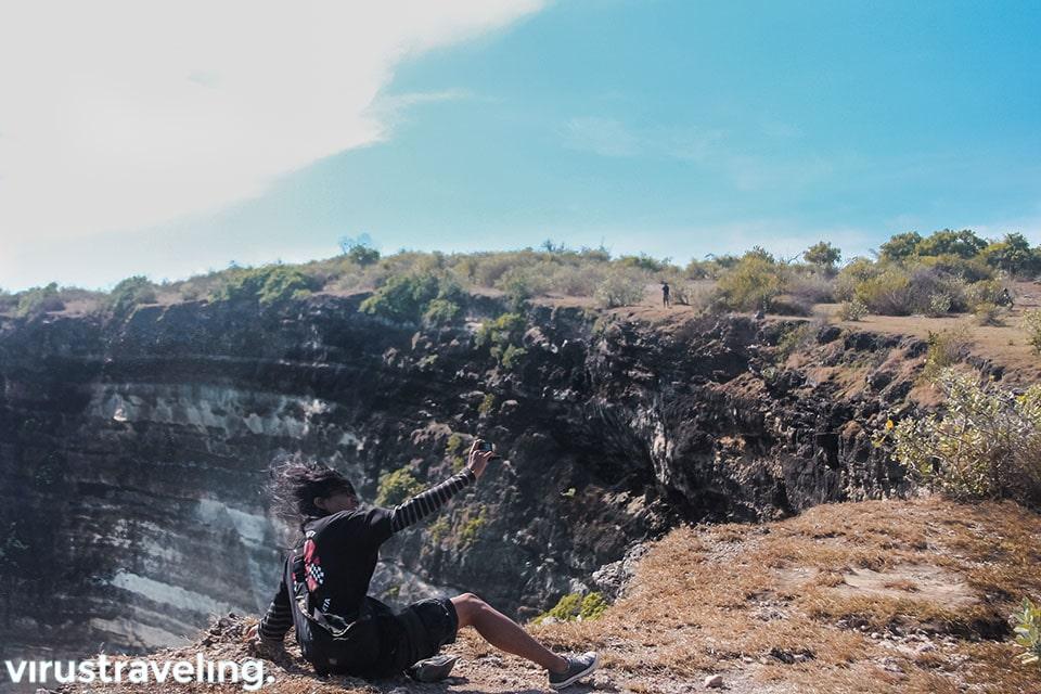 Selfie dari atas tebing Tanjung Ringgit Lombok