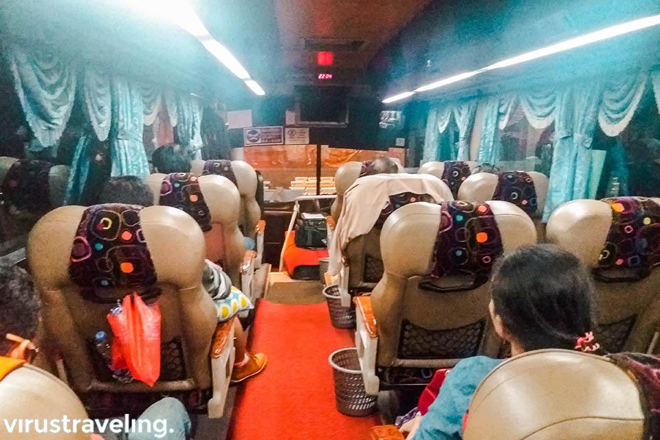 Suasana Bus Eva rute Pontianak Kuching