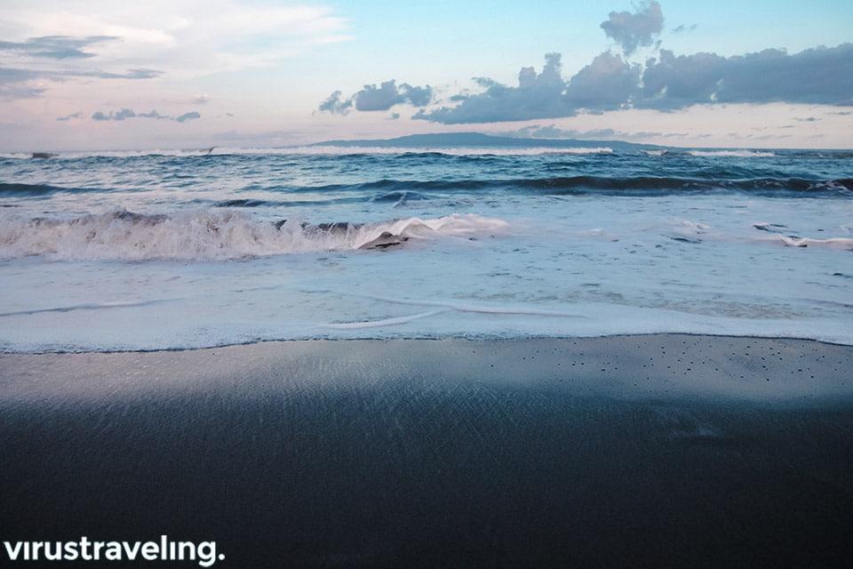 Pantai Saba berpasir hitam