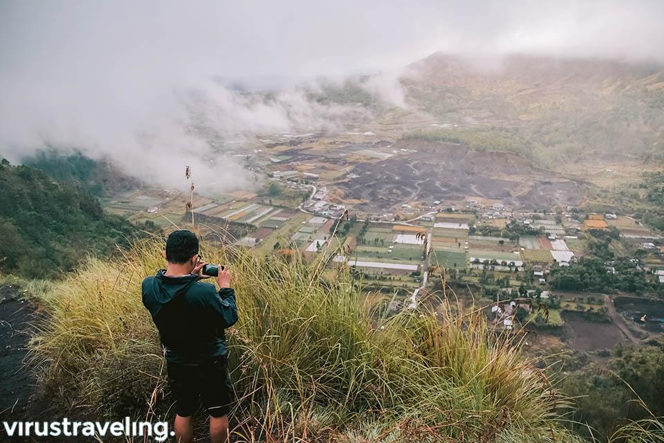Menunggu sunrise di Desa Pinggan Kintamani