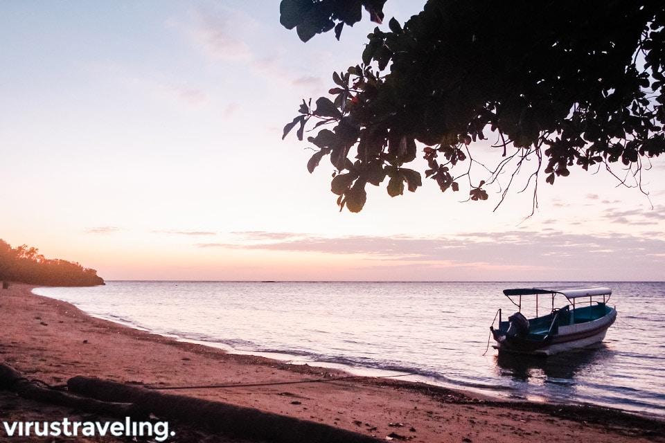 Matahari terbit di Pantai Bama