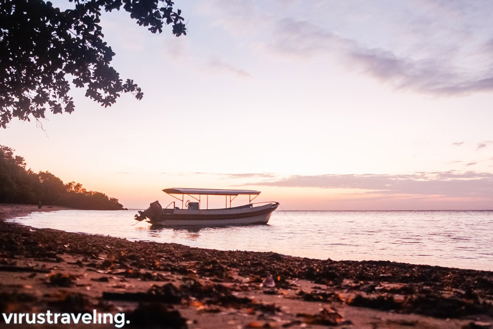 Pemandangan Sunrise di Pantai Bama