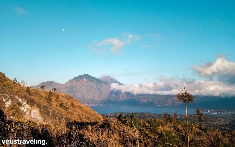 Gunung Abang dan Gunung Agung dari Batur