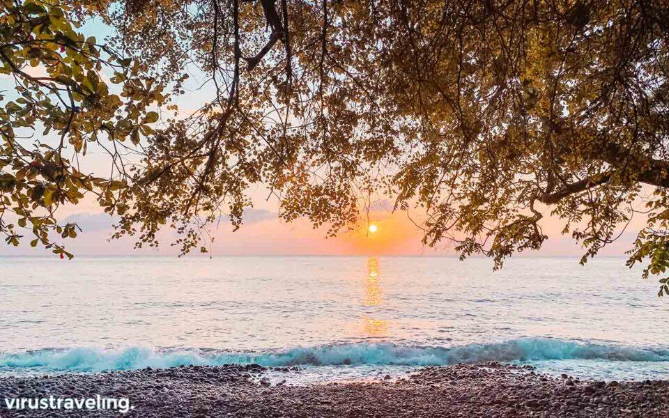 Sunrise di Pantai Tulamben